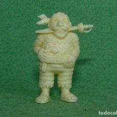 Figuras de Goma y PVC: RARA FIGURA PIRATA TITO ORIGINALPLASTICO MONOCROMATICA PREMIUM DETERGENTE ARIEL VINTAGE AÑOS 60. Lote 87023300