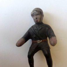 Figuras de Goma y PVC: FIGURA PILOTO MOTO EN GOMA AÑOS 50. Lote 220950612