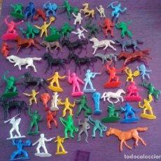 Figuras de Goma y PVC: 60 INDIOS, VAQUEROS Y SOLDADOS, COMANSI, REAMSA Y SIMILARES. LOTE DE 60. Lote 87080944