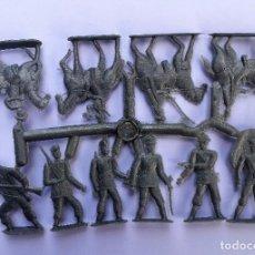 Figuras de Goma y PVC: COLADA MONTAPLEX SOLDADOS A PIE Y A CABALLO. . Lote 87682880