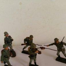 Figuras de Borracha e PVC: LOTE CINCO SOLDADOS ALEMANES ELASTOLIN ,LINEOL EN PASTA. Lote 88335140