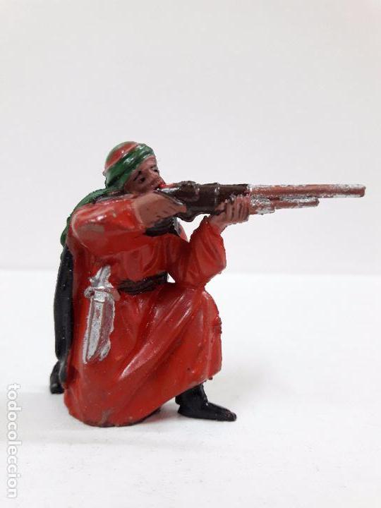 Figuras de Goma y PVC: ARABE BEDUINO FIGURA Nº140 . SERIE LAWRENCE DE ARABIA . REALIZADA POR REAMSA . AÑOS 50 EN GOMA - Foto 2 - 89157048