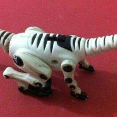 Figuras de Goma y PVC: DINOSAURIO PEQUEÑO. ROBOT DE TIRANOSAURIO REX. Lote 89506292