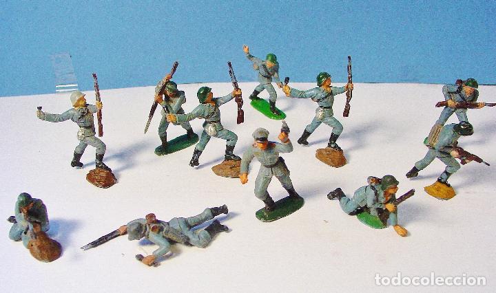 Figuras de Goma y PVC: LOTE 11 SOLDADOS ALEMANES EN ACCIÓN 2ª SEGUNDA GUERRA MUNDIAL. PECH. BUEN ESTADO - Foto 2 - 89727092