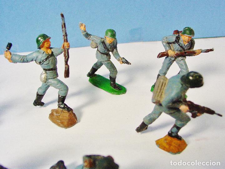 Figuras de Goma y PVC: LOTE 11 SOLDADOS ALEMANES EN ACCIÓN 2ª SEGUNDA GUERRA MUNDIAL. PECH. BUEN ESTADO - Foto 7 - 89727092