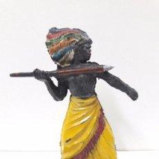 Figuras de Goma y PVC: GUERRERO AFRICANO KAKUANA . REALIZADO POR PECH . AÑOS 50 EN GOMA. Lote 91567285