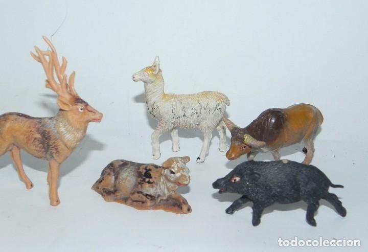 Figuras de Goma y PVC: 6 FIGURAS DE ANIMALES DE PLASTICO, POSIBLEMENTE PECH. JABALI, VACA, CIERVO, LLAMA, CABRA, BUEY. - Foto 3 - 91703490