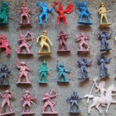 Figuras de Goma y PVC: LOTE FIGURAS DEL OESTE. INDIOS Y VAQUEROS. PLASTICO. . Lote 92284728