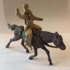 Figuras de Goma y PVC: VAQUERO A CABALLO REALIZADO EN GOMA, SOTORRES, AÑOS 1950.. Lote 92705005
