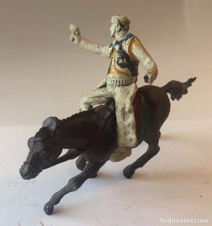 Figuras de Goma y PVC: Vaquero a caballo realizado en goma, Sotorres, Años 1950. - Foto 2 - 92705005