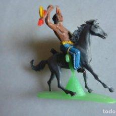Figuras de Goma y PVC: FIGURA PLÁSTICO PINTADO INDIO A CABALLO DE COMANSI. Lote 93593760