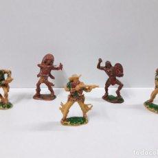 Figuras de Goma y PVC: INDIOS Y VAQUEROS . SERIE GRANDE . REALIZADOS POR LAFREDO . AÑOS 60. Lote 93798810