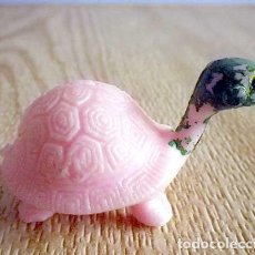 Figuras de Goma y PVC: JUGUETE FIGURA TORTUGA TORTUGUITA ROSA VERDE ANIMAL GOMA DURA CHINA. Lote 94851447