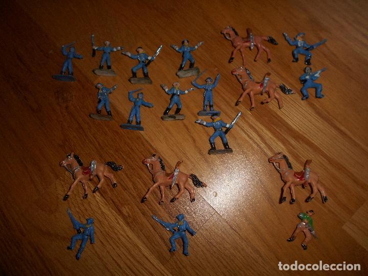Figuras de Goma y PVC: Mini oeste Comansi Lote de 19 figuras soldados SEPTIMO CABALLERIA Original años 60 RARO !!!! - Foto 2 - 95234947