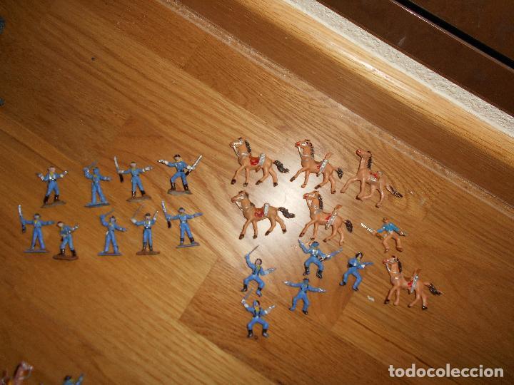 Figuras de Goma y PVC: Mini oeste Comansi Lote de 19 figuras soldados SEPTIMO CABALLERIA Original años 60 RARO !!!! - Foto 3 - 95234947