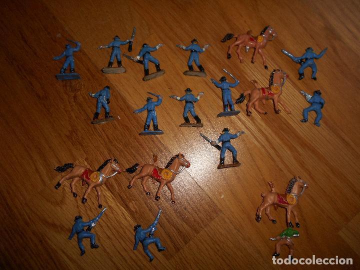 Figuras de Goma y PVC: Mini oeste Comansi Lote de 19 figuras soldados SEPTIMO CABALLERIA Original años 60 RARO !!!! - Foto 5 - 95234947