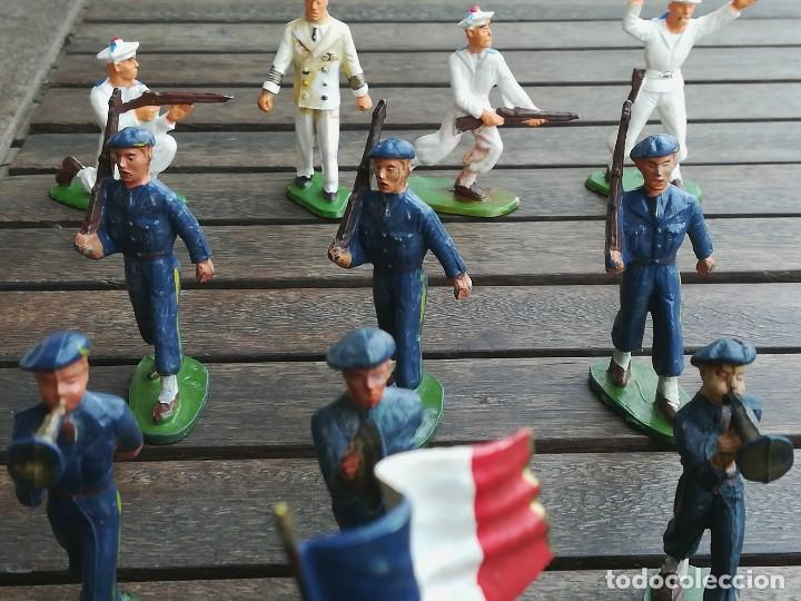Figuras de Goma y PVC: 14 SOLDADOS FRANCESES, AÑOS 60,STRALUX, 4 DE MARINA,10 BANDA DE MUSICA,BANDERA Y OFICIAL,NO PLOMO - Foto 3 - 95243127