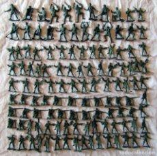 Figuras de Goma y PVC: 120 SOLDADITOS DE PLÁSTICO. Lote 95478943