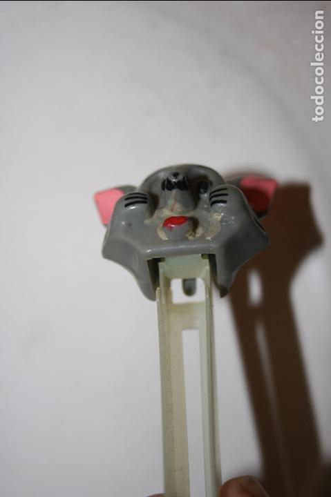 Dispensador Pez: antiguo dispensador caramelos pez figura del gato de Tom y Jerry. - Foto 3 - 95670547
