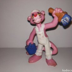 Figuras de Goma y PVC: FIGURA PANTERA ROSA PINTANDO PVC BULLY 1983. Lote 95754780