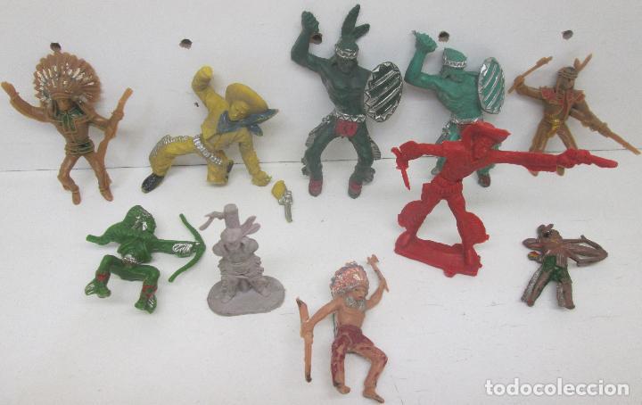 LOTE FIGURAS PLÁSTICO INDIOS Y VAQUEROS (Juguetes - Figuras de Goma y Pvc - Otras)