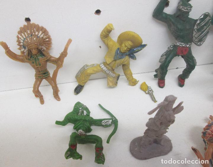Figuras de Goma y PVC: Lote figuras plástico indios y vaqueros - Foto 2 - 95906846