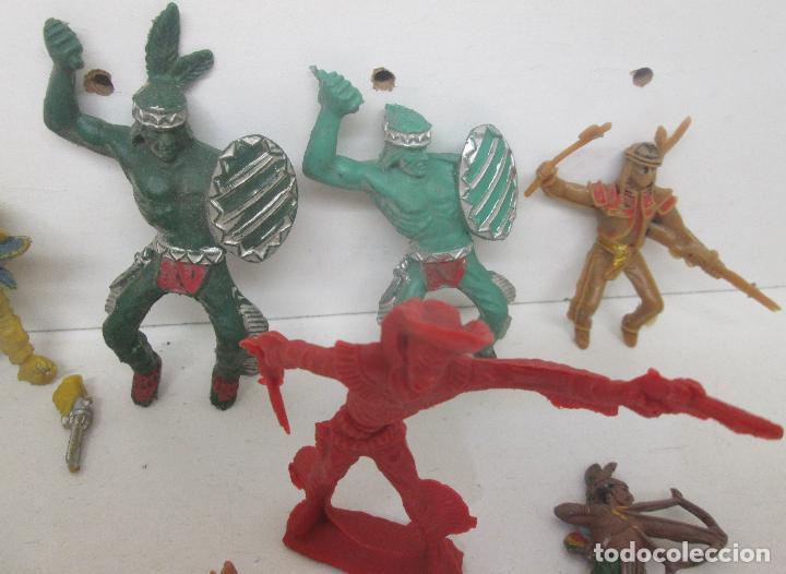 Figuras de Goma y PVC: Lote figuras plástico indios y vaqueros - Foto 3 - 95906846
