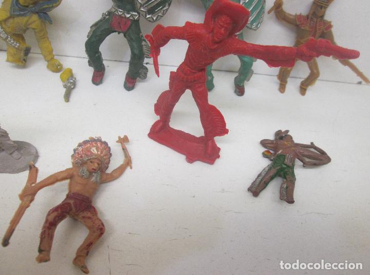 Figuras de Goma y PVC: Lote figuras plástico indios y vaqueros - Foto 4 - 95906846