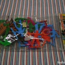 Figuras de Goma y PVC: INDIOS Y COWBOYS REF 134. Lote 96008883