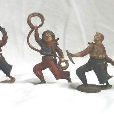 Figuras de Goma y PVC: 4 VAQUEROS COWBOY CASA GAMA AÑOS 50, CINTURA DOS PIEZAS DESMONTABLES. Lote 96091291