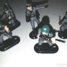 Figuras de Goma y PVC: LOTE DE 5 SOLDADOS ALEMANES BRITAINS MARCAJE 1971. Lote 96253263