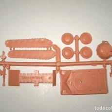 Figuras de Goma y PVC: MONTAPLEX - COLADA DEL TANQUE STALIN DEL SOBRE Nº 417 - COLOR BEIGE. Lote 114553256