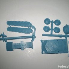 Figuras de Goma y PVC: MONTAPLEX - COLADA DEL TANQUE STALIN DEL SOBRE Nº 417 - COLOR AZUL. Lote 186002921