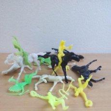 Figuras de Goma y PVC: LOTE Nº 1 INDIOS Y VAQUEROS. Lote 97535091