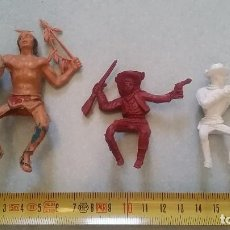 Figuras de Goma y PVC: 3 JINETES VAQUEROS E INDIO JECSAN REAMSA O SIMILARES AÑOS 60 O 70´S. AUTÉNTICAS.. Lote 97639287