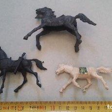 Figuras de Goma y PVC: 3 CABALLOS DE INDIOS O VAQUEROS JECSAN REAMSA O SIMILARES AÑOS 60 O 70´S. AUTÉNTICOS.. Lote 97639755