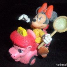 Figuras de Goma y PVC: MINNIE EN LEON ROSA TAXI - FIGURA PVC - BULLY DISNEY. Lote 253119370