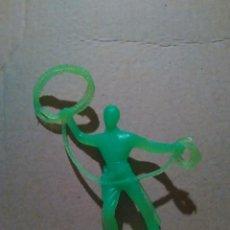 Figuras de Goma y PVC: INDIOS Y VAQUEROS COMANSI -VAQUERO A ESTRENAR AÑOS 70*. Lote 97815295