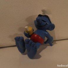 Figuras de Goma y PVC: PITUFO CON BIBERON AÑOS 80. Lote 98028451