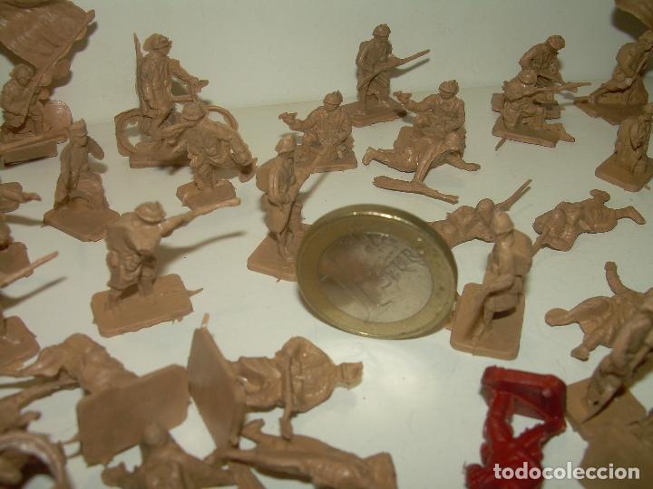 Figuras de Goma y PVC: LOTE DE 65 PEQUEÑAS FIGURAS DE PLASTICO. - Foto 3 - 98348183