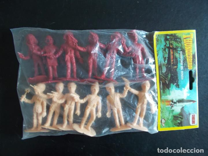 COMANSI: THUNDERBIRDS BOLSA SIN ABRIR.GUARDIANES DEL ESPACIO AÑOS 70. MONOCOLOR ROJO + SALMON. PTOY (Juguetes - Figuras de Goma y Pvc - Comansi y Novolinea)