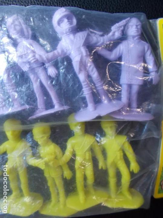 Figuras de Goma y PVC: COMANSI: THUNDERBIRDS BOLSA SIN ABRIR.GUARDIANES DEL ESPACIO AÑOS 70. MONOCOLOR LILA +AMARILLA. PTOY - Foto 4 - 98397051