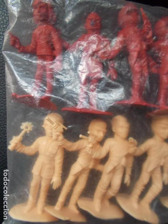 Figuras de Goma y PVC: COMANSI: THUNDERBIRDS BOLSA SIN ABRIR.GUARDIANES DEL ESPACIO AÑOS 70. MONOCOLOR ROJO + SALMON. PTOY - Foto 4 - 98397711
