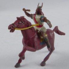 Figuras de Goma y PVC: FIGURA DE EL VIKINGO GOODFREI A CABALLO, SERIE EL CAPITAN TRUENO. REALIZADO EN PLASTICO POR ESTEREOP. Lote 98448807