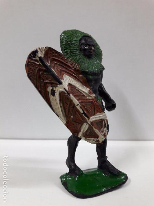 Figuras de Goma y PVC: GUERRERO AFRICANO NEGRO . REALIZADO POR ARCLA . AÑOS 50 EN GOMA - Foto 3 - 98669443