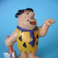 Figuras de Goma y PVC: THE FLINTSTONES LOS PICAPIEDRA PEDRO FIGURA DE PVC HANNA BARBERA BULLY GERMANY 1983. Lote 98699899