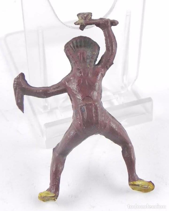 Figuras de Goma y PVC: Figura de Jefe indio a caballo, realizado por Pech Hermanos ,con hacha y puñal, realizado en goma añ - Foto 2 - 98760407