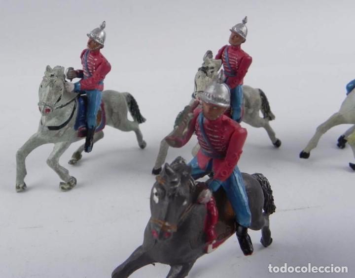 Figuras de Goma y PVC: 7 FIGURAS DE ESCOLTAS DEL GENERALISIMO, CABALLERIA REALIZADA POR TEIXIDO. AÑOS 50. EN GOMA. - Foto 3 - 98821215
