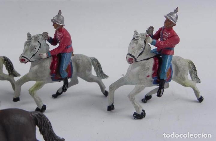 Figuras de Goma y PVC: 7 FIGURAS DE ESCOLTAS DEL GENERALISIMO, CABALLERIA REALIZADA POR TEIXIDO. AÑOS 50. EN GOMA. - Foto 4 - 98821215