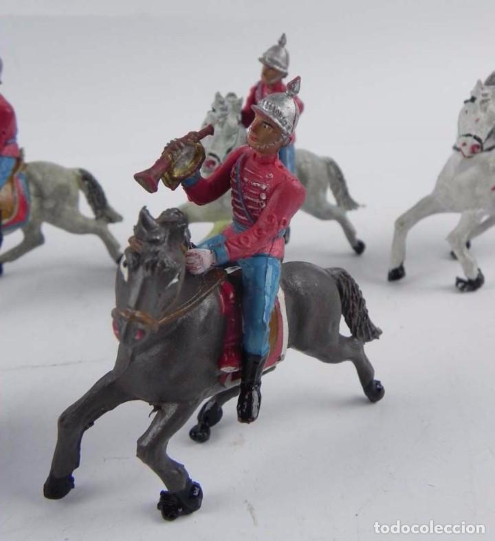 Figuras de Goma y PVC: 7 FIGURAS DE ESCOLTAS DEL GENERALISIMO, CABALLERIA REALIZADA POR TEIXIDO. AÑOS 50. EN GOMA. - Foto 5 - 98821215